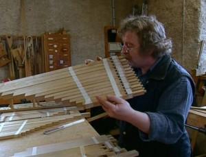 Bernard Aubertin,  facteur d'orgues à Courtefontaine.