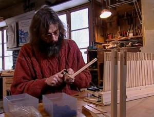 Serge Boinnard, facteur de clavecins à Foucaucourt-sur-Thabas.